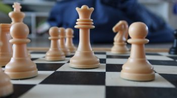 Chess Game Strategy Queen  - Peterzikas / Pixabay